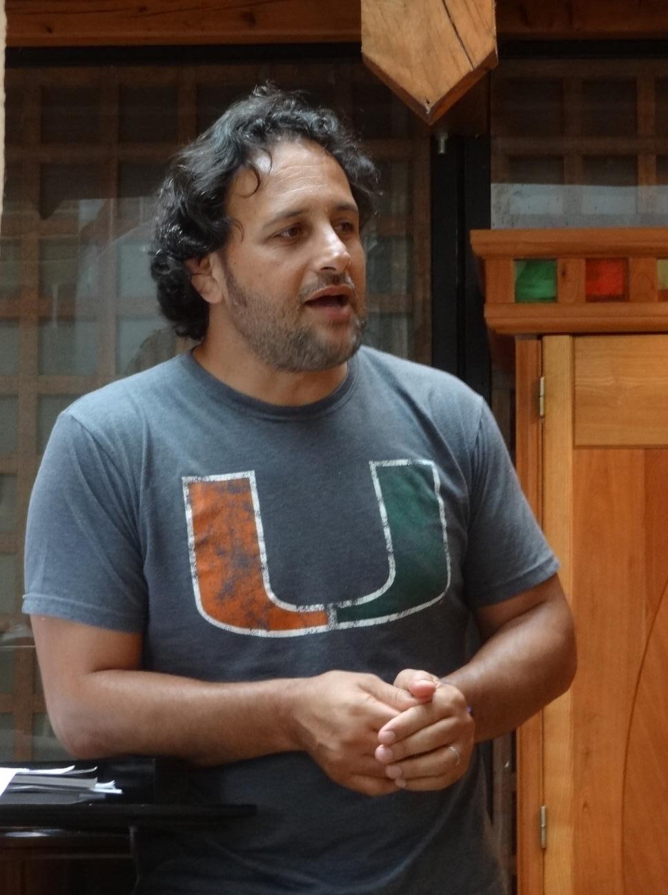 Omar Hasan en répétition