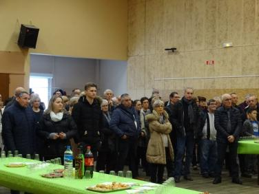 la population manoise attentive au discours du maire