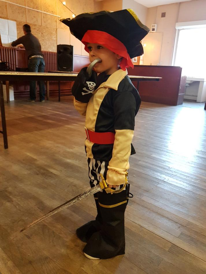 un beau petit pirate